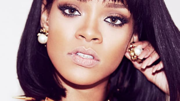 rihanna-best-selling.jpg