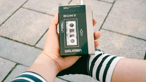walkman-in-hands.jpg