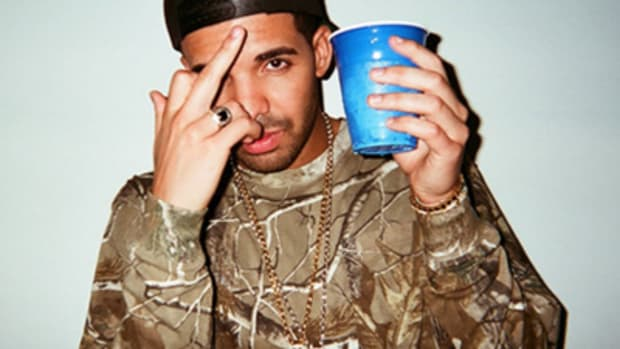 drake-2015-middle-finger.jpg