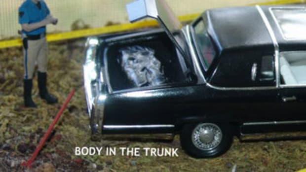 chriscrack-bodyintrunk.jpg
