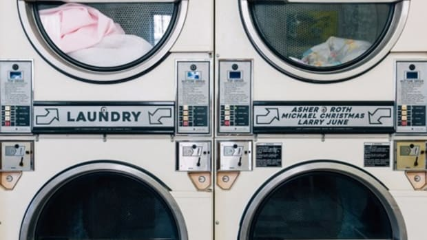 asher-roth-laundry.jpg