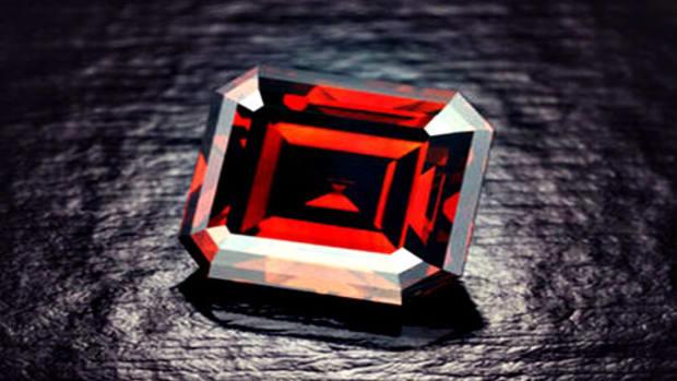 jnolan-reddiamonds.jpg