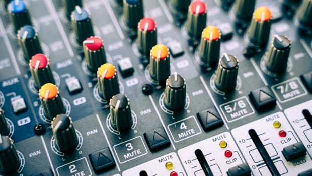 mixing-board-explained-easily