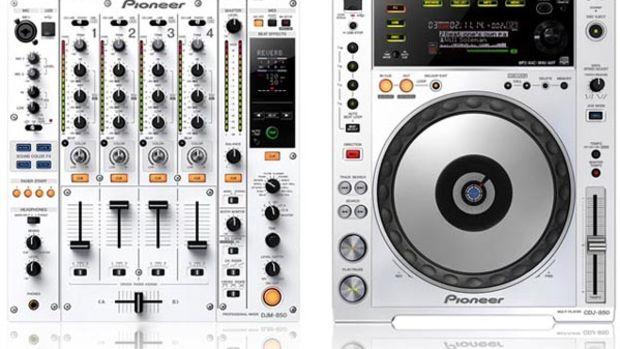 pioneerwhite850.jpg