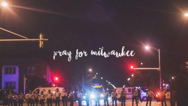 reggie-bonds-pray-for-milwaukee.jpg