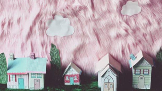 melaniemar-dollhouse.jpg
