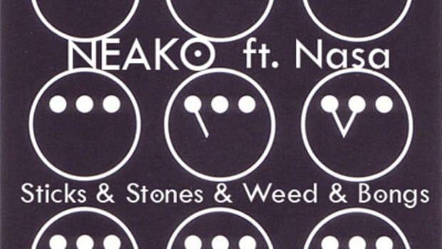 neako-sticksstonesweedbongs.jpg