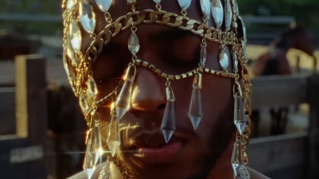 "6LACK's ""Seasons"" Video Perfectly Captures Love In the Height of Summer"