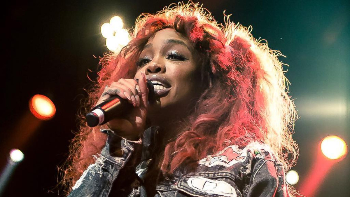 SZA wanted a career in business first, not music