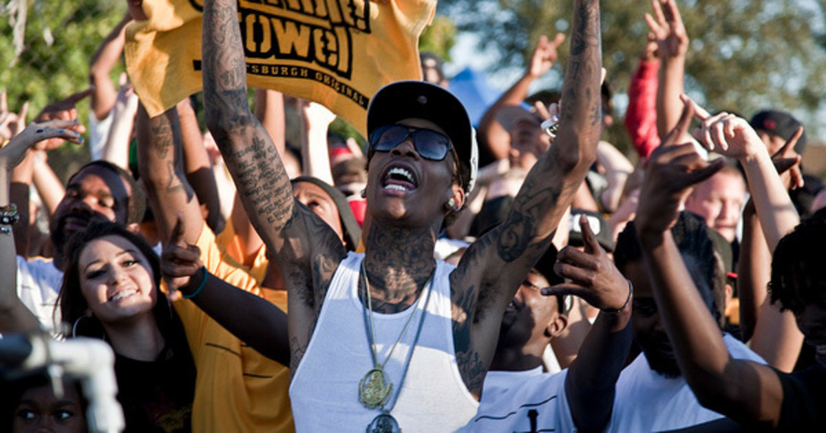 wiz-khalifa-black-yellow-story.jpg