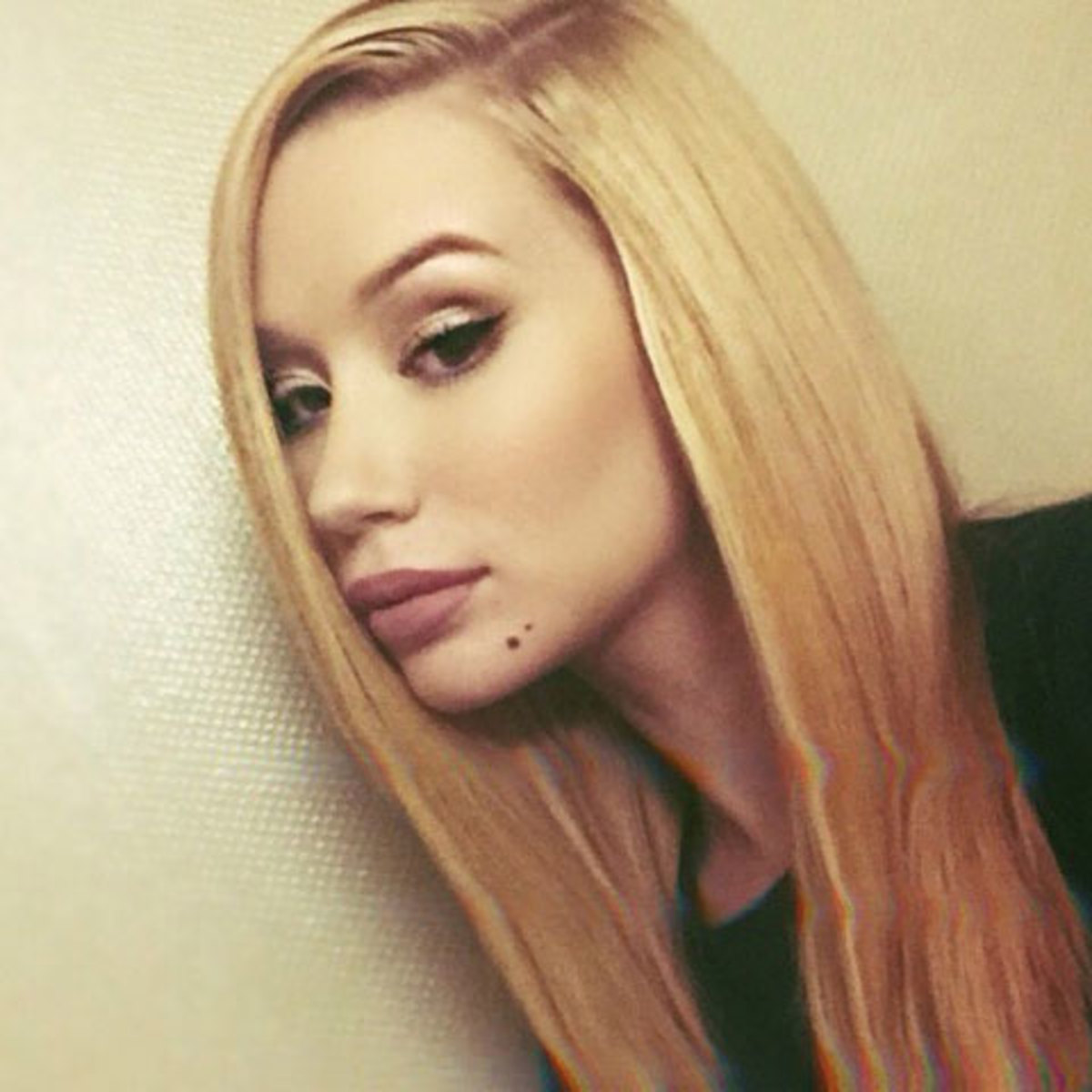 iggy-azalea-admits-going-crazy.jpg