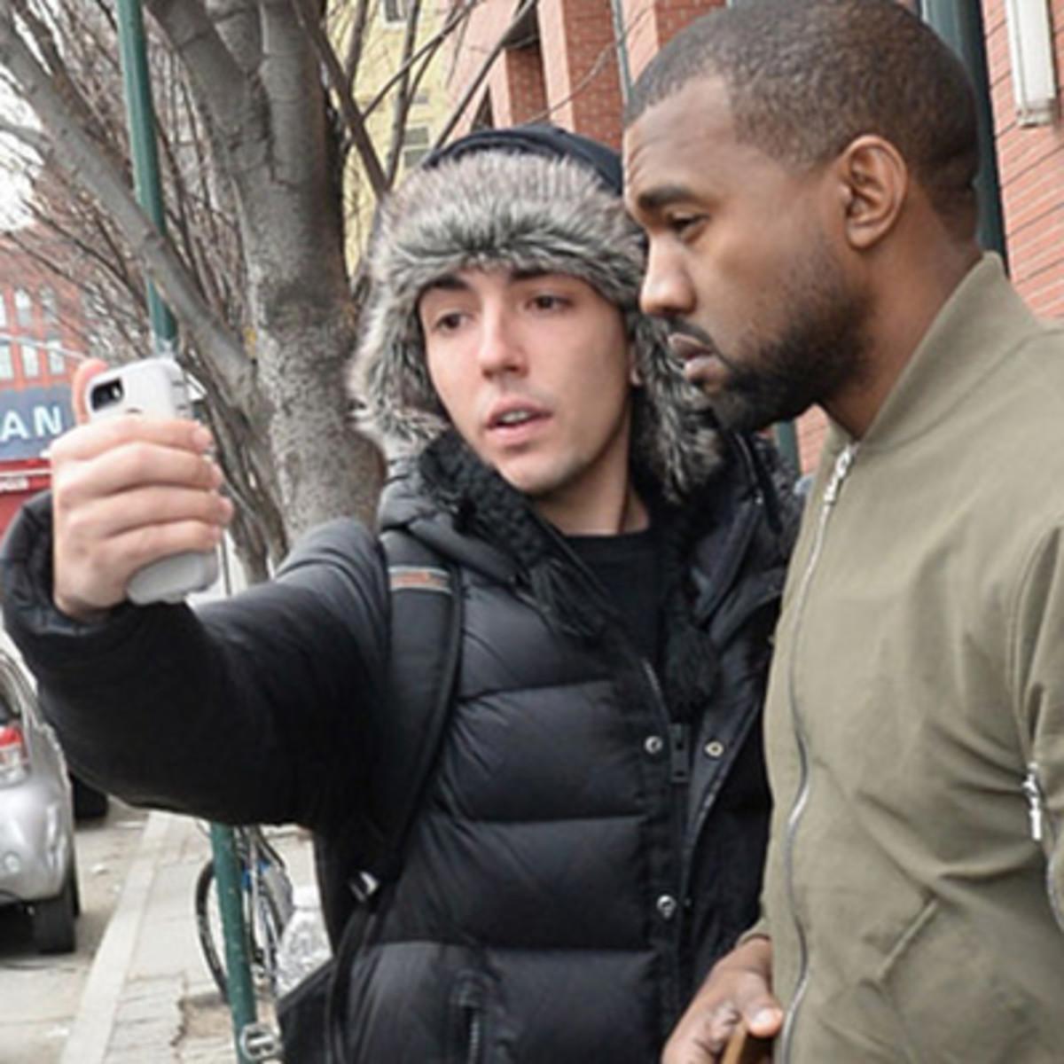kanye-west-selfie-fan.jpg