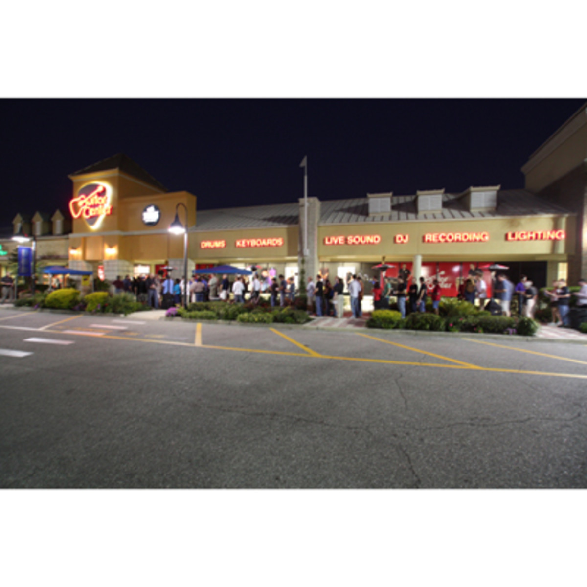 guitarcenter2.jpg  sc 1 st  DJBooth & Guitar Center Superstore Opened in Sarasota FL - DJBooth