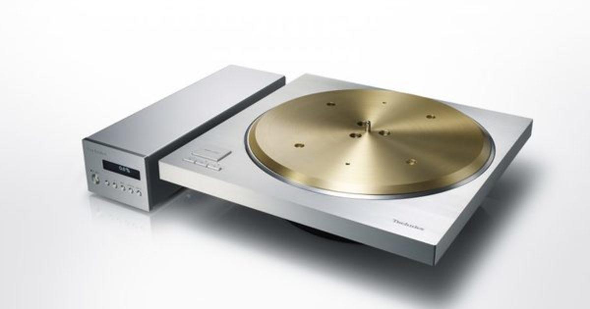 Technics-Direct-Drive-Turntable-SP-10R_angle-920x611.jpg