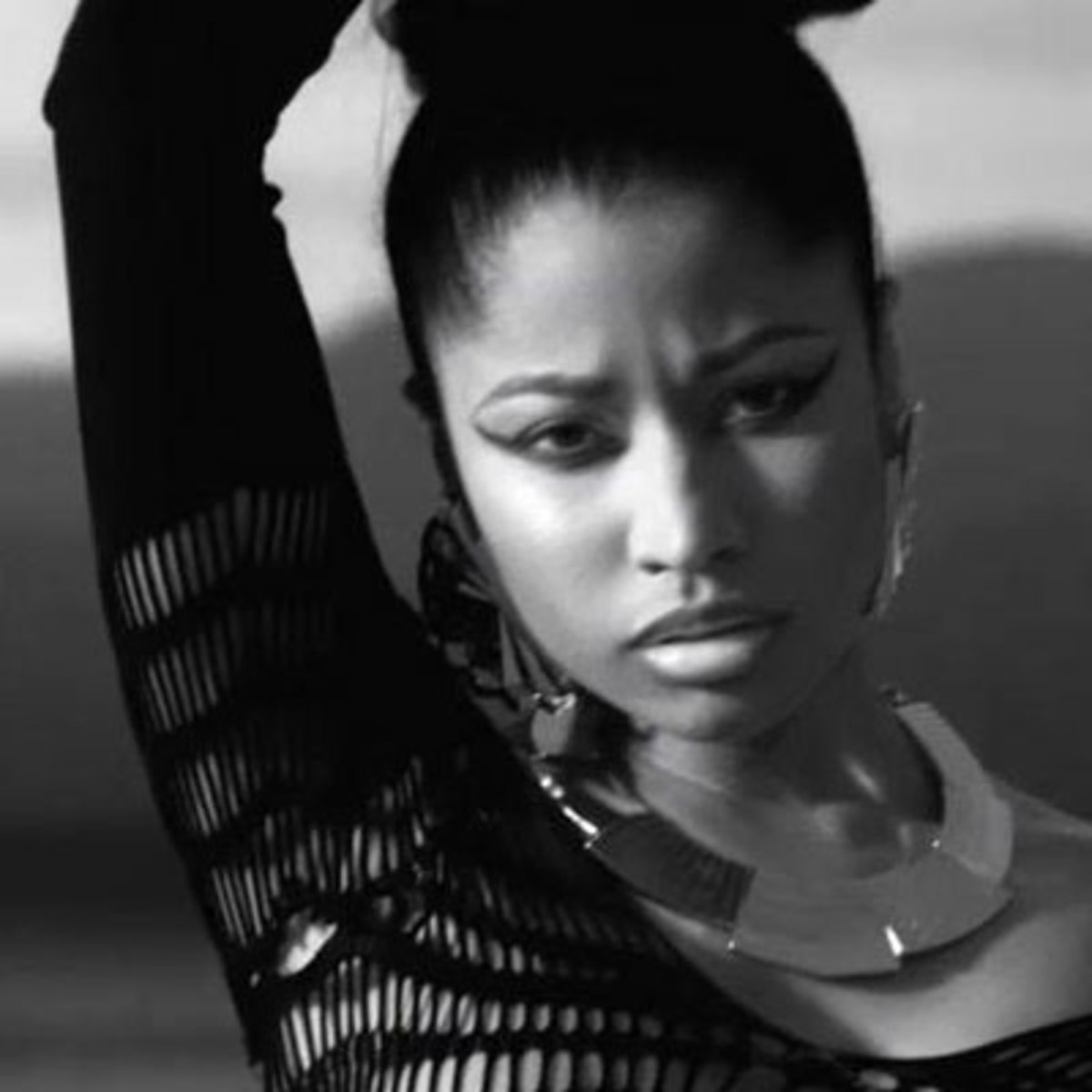 nickiminaj-lookinss2.jpg