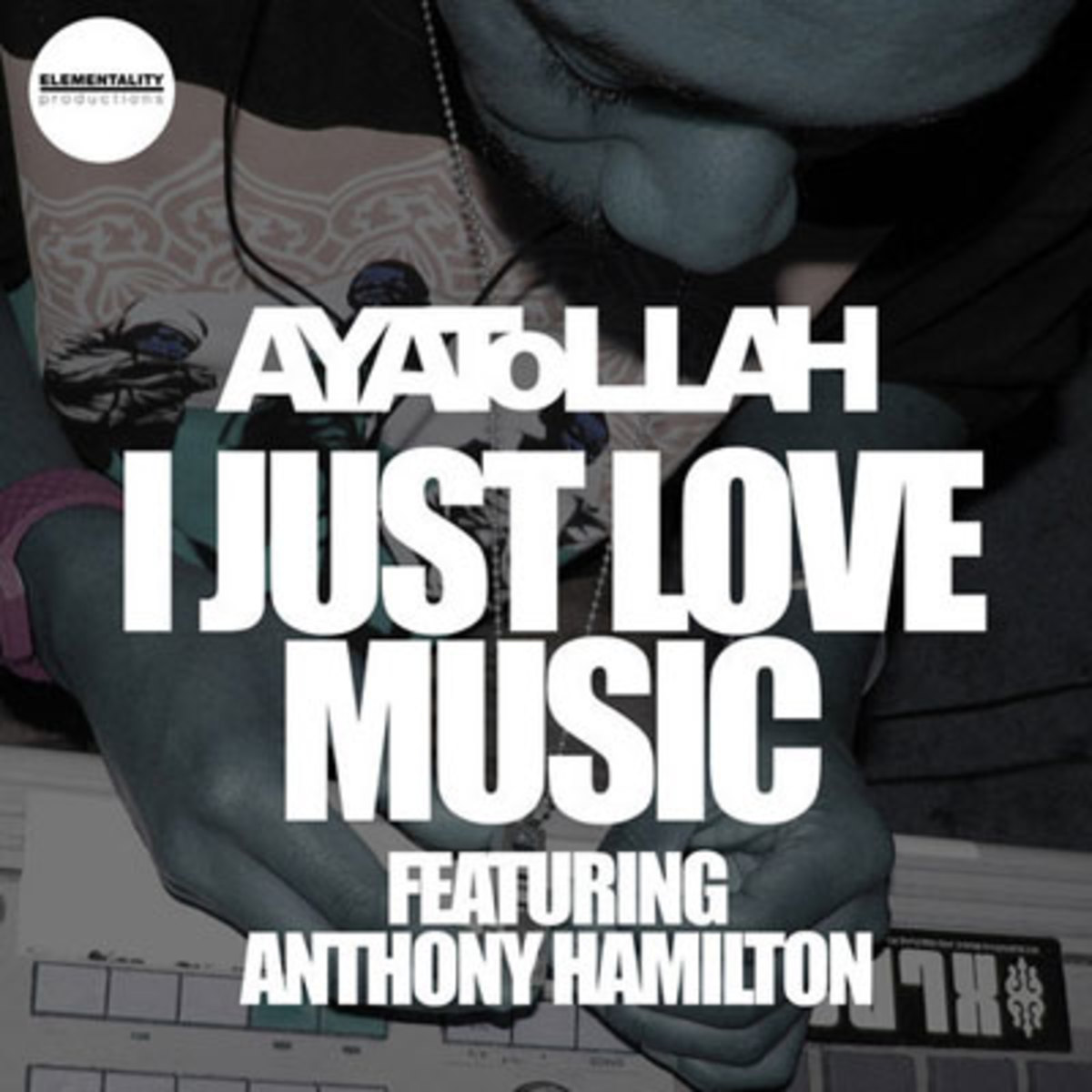 ayatollah-lovemusic.jpg