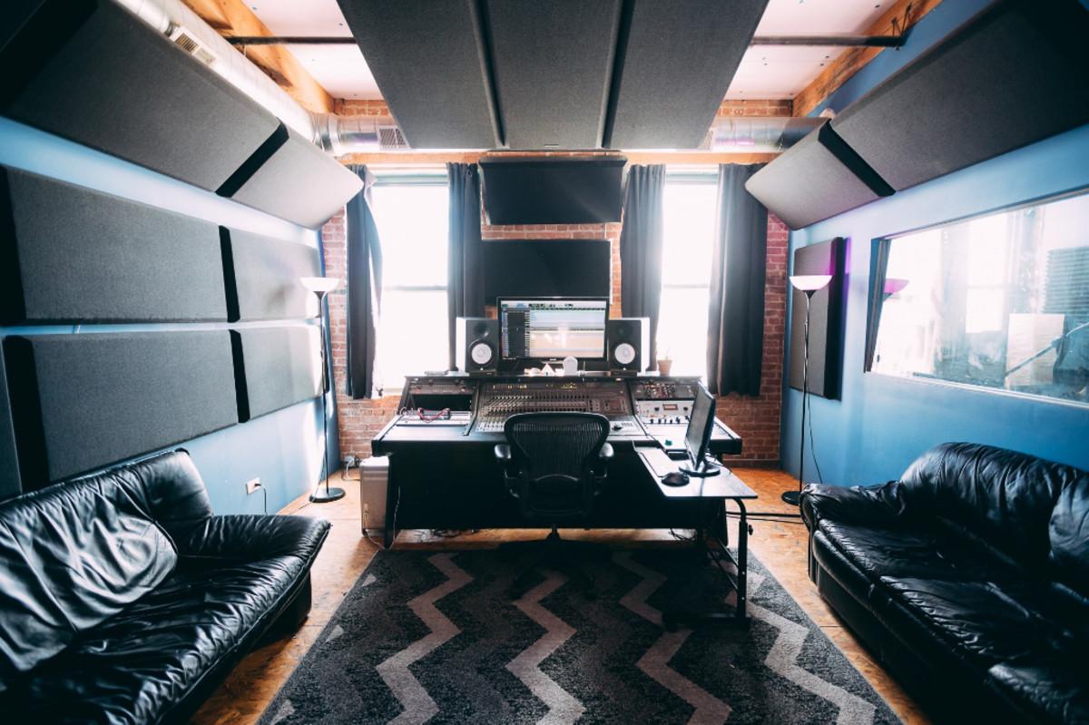 classick-studio-body-1